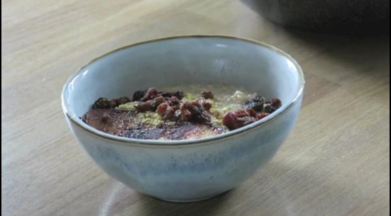 Winter warming pear porridge